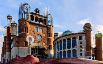 Ο ανορθόδοξος ναός που χτίζεται εδώ και 56 χρόνια από έναν άνθρωπο όταν έμαθε πως είναι άρρωστος