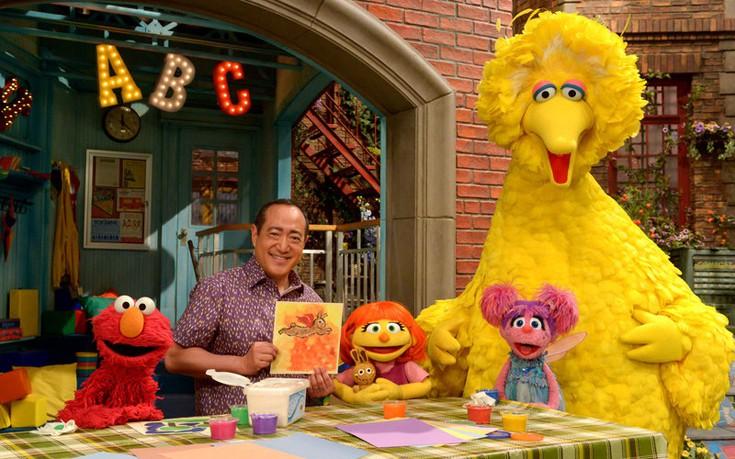 Η πρώτη ηρωίδα του «Sesame Street» με αυτισμό