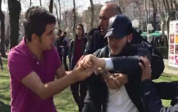 Επίθεση δέχτηκε συγκέντρωση για τη Μέρα της Γυναίκας στην Κωνσταντινούπολη