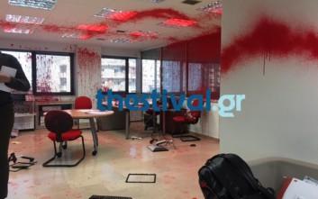Κουκουλοφόροι έσπασαν γραφείο ευρέσεως εργασίας στη Θεσσαλονίκη