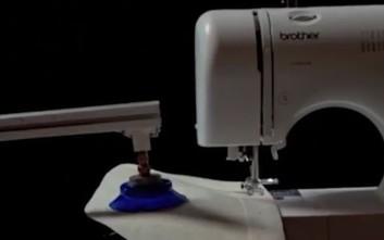 Το ρομπότ που ράβει και φτιάχνει ρούχα