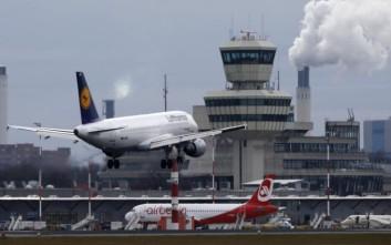 Σχεδόν όλες οι πτήσεις στα αεροδρόμια του Βερολίνου αναμένεται να ακυρωθούν την Παρασκευή