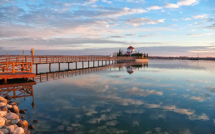 Το μοναστήρι μέσα στη λίμνη