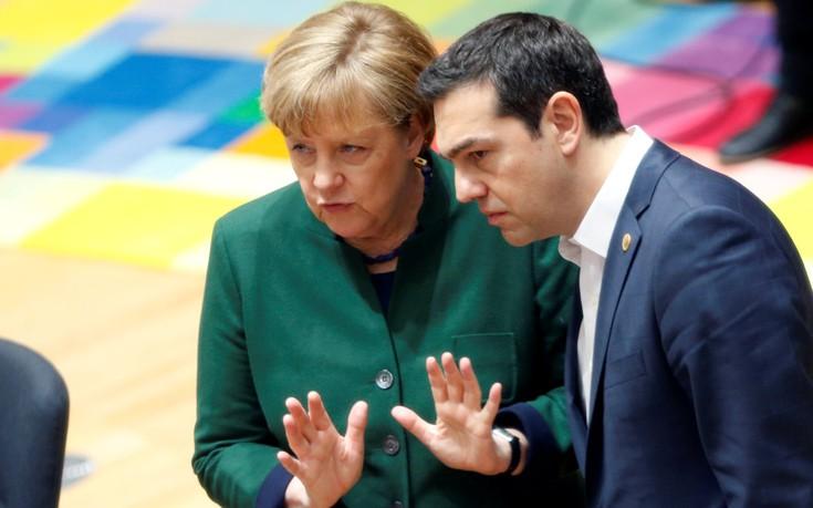 Ο Τσίπρας τηλεφώνησε στη Μέρκελ για το ελληνικό χρέος