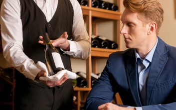 Όποιος παραγγέλνει το φτηνότερο κρασί του καταλόγου δε σημαίνει πως κάνει λάθος