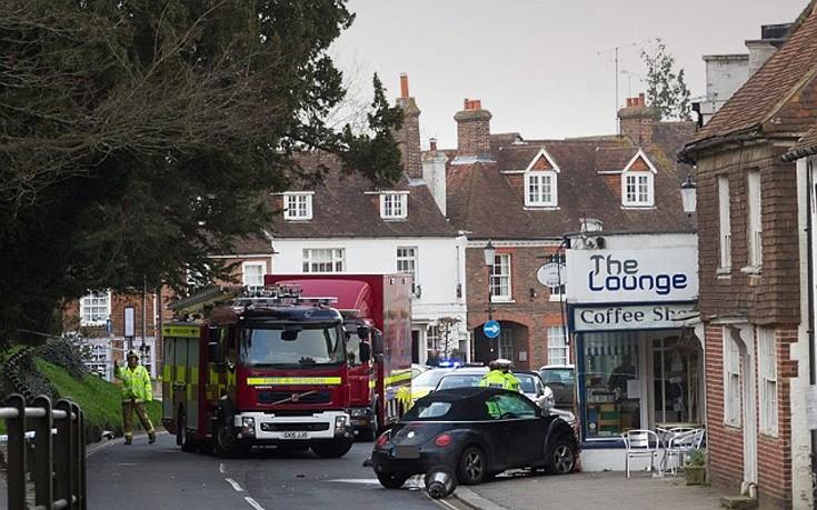 Μεθυσμένη οδηγός χτύπησε πενταμελή οικογένεια σε δρόμο της Αγγλίας
