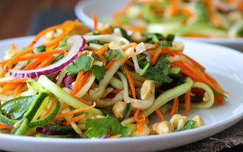 Σαλάτα με κολοκυθάκια και καρότο