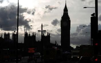 Παναγία των Παρισίων: Φόβοι βρετανών βουλευτών για ανάλογη καταστροφή στο Ουέστμινστερ