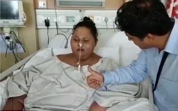Η πιο παχύσαρκη γυναίκα στον κόσμο έχασε τα μισά της κιλά