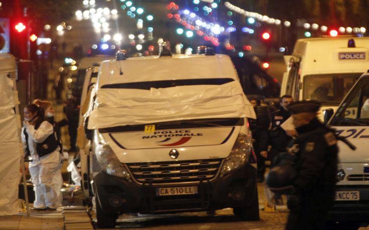 Παραδόθηκε ο άνδρας που είναι ύποπτος για την τρομοκρατική επίθεση στη Γαλλία