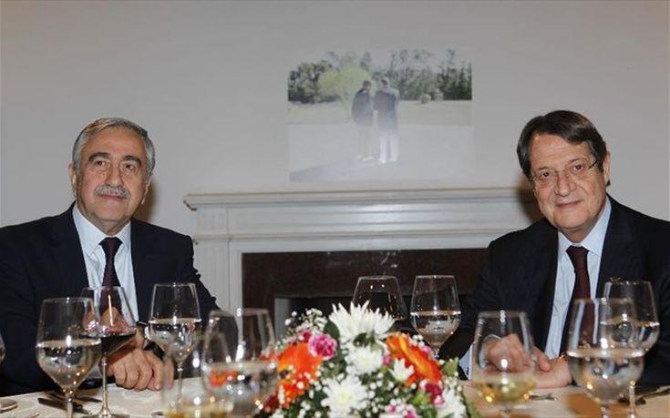 Χωρίς συμφωνία ολοκληρώθηκε το δείπνο Αναστασιάδη και Ακιντζί