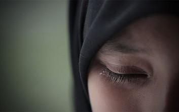 Φυλάκιση ενός έτους για μια γυναίκα στο Ιράν που δεν φορούσε δημοσίως τη μαντίλα της