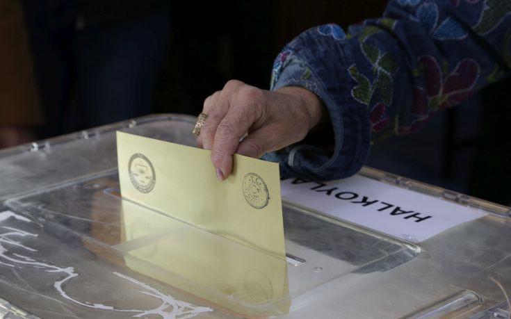 Η Άγκυρα απορρίπτει την έκκληση για έρευνα σχετικά με το δημοψήφισμα