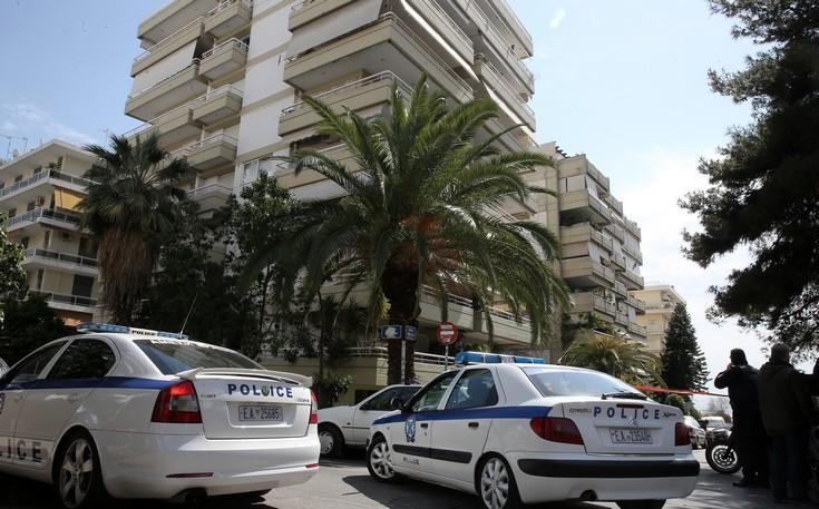 Νέες λεπτομέρειες για τον ληστή που κρύφτηκε στη ντουλάπα στο Παλαιό Φάληρο