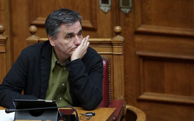 Τσακαλώτος σε βουλευτές ΣΥΡΙΖΑ: Στα 6.250 ευρώ το αφορολόγητο