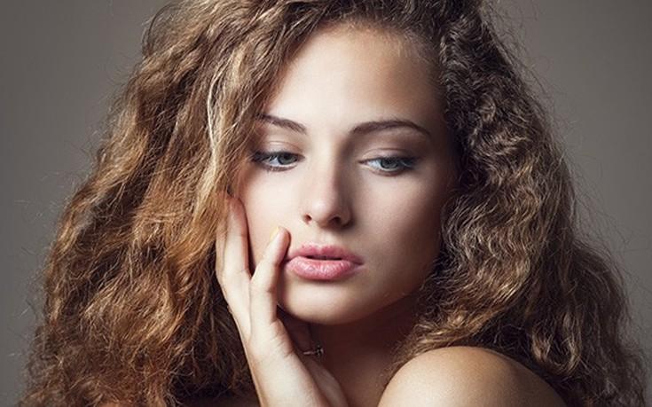 Τέλος στο φριζάρισμα των μαλλιών με γιαούρτι
