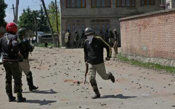 Τουλάχιστον επτά νεκροί στο Κασμίρ μετά από συγκρούσεις διαδηλωτών με την αστυνομία