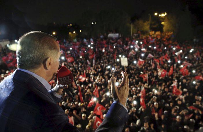 Die Zeit: Ερντογάν, ο νεκροθάφτης της τουρκικής δημοκρατίας