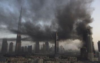 Φωτιά σε ουρανοξύστη στο Ντουμπάι