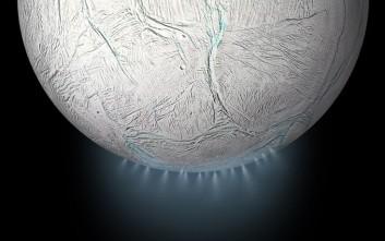 Η ΝASA ανακάλυψε την πηγή τροφής για ενδεχόμενη μορφή ζωής σε δορυφόρο του Κρόνου