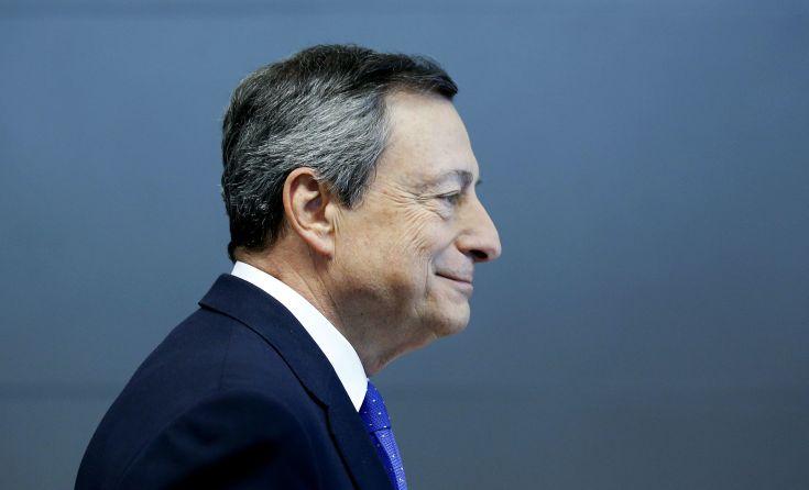 Eπιβράδυνση της ανάπτυξης στην ευρωζώνη προβλέπει η ΕΚΤ