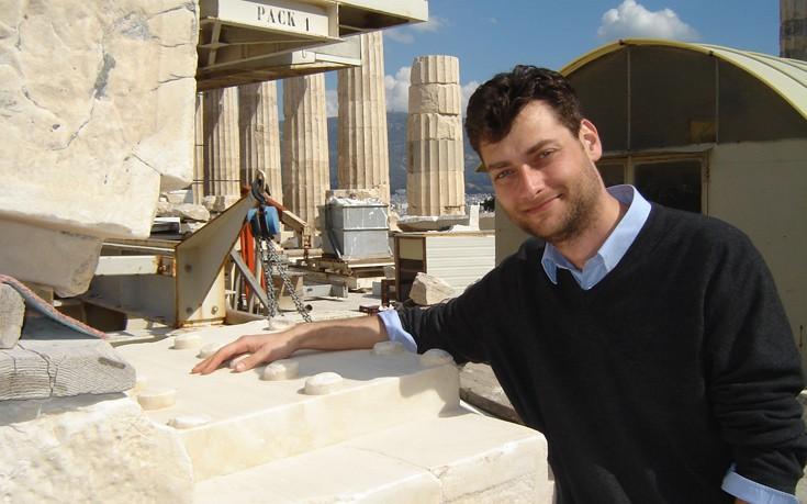 Ο Έλληνας αρχαιολόγος που κυνηγά τους αρχαιοκάπηλους σε όλο τον κόσμο
