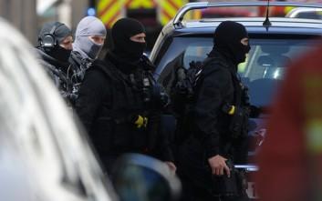Μια αποθήκη όπλων εντοπίστηκε στο σπίτι του δράστη της επίθεσης των Ηλυσίων Πεδίων
