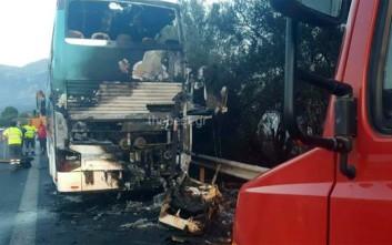 Αυτό είναι το λεωφορείο που μετέφερε μαθητές και κάηκε στην Πάτρα
