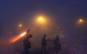 Σαϊτοπόλεμος: Τι απάντησαν οι πολίτες σε ερωτηματολόγιο για την κατάργηση του εθίμου
