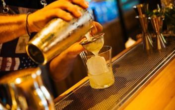 Πίνουμε ποτό σε κορυφαία στέκια σε καλές τιμές