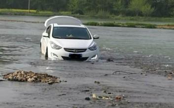 Κι όμως, μπήκε στο ποτάμι γιατί του το είπε το GPS
