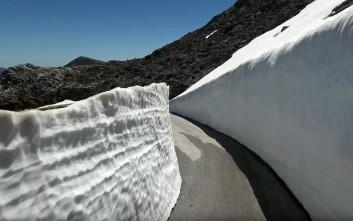 Όταν ο Ψηλορείτης θυμίζει Ανταρκτική με πέντε μέτρα χιόνι