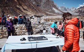 Συναυλία ηλεκτρονικής μουσικής σε ύψος 5.380 μέτρων