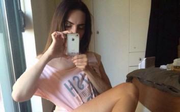Η Μάγκυ Χαραλαμπίδου και τα καλογυμνασμένα πόδια της