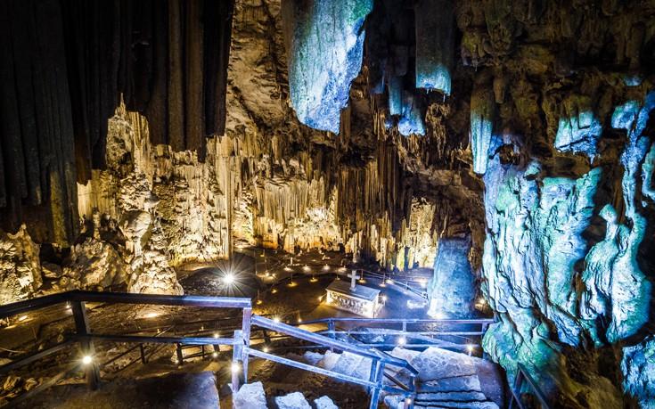 Γεροντόσπηλιος, το επιβλητικό σπήλαιο που έγινε τόπος τραγωδίας