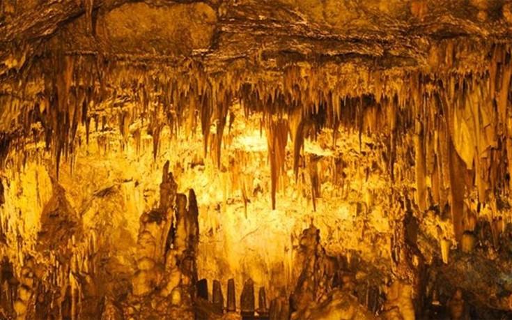 Αποτέλεσμα εικόνας για σπήλαιο