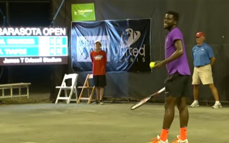 Κραυγές ηδονής διέκοψαν αγώνα τένις