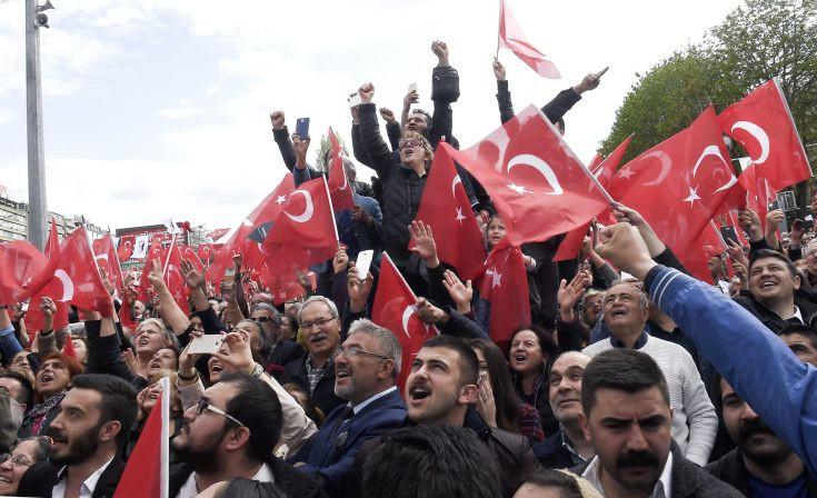 Απορρίφθηκαν οι προσφυγές για ακύρωση του τουρκικού δημοψηφίσματος