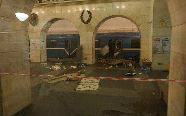 Βίντεο από το κατεστραμμένο βαγόνι στην Αγία Πετρούπολη