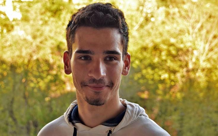Ο τυφλός μαθητής που απορρίφθηκε στην Ελλάδα αλλά ήταν η αφορμή ν' αλλάξει ο νόμος