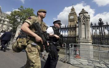 Δεκαέξι συλλήψεις για την επίθεση στο Μάντσεστερ