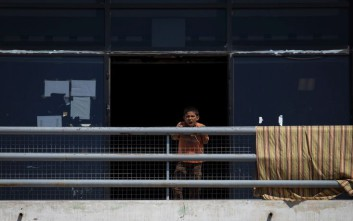 Υπεράριθμοι οι πρόσφυγες σε Λέσβο, Χίο, Σάμο, Κω και Διαβατά