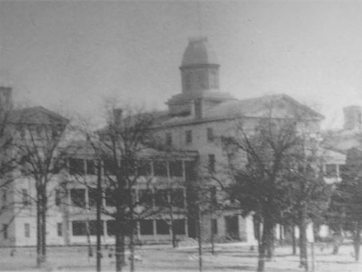 πανεπιστημιο νεκροταφείο2