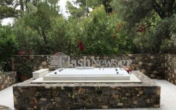 Δίπλα στην αγαπημένη του σύζυγο θα ταφεί ο Κωνσταντίνος Μητσοτάκης