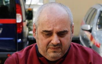 Ο πατέρας του 52χρονου από τη Δάφνη παρέδωσε το πιστοποιητικό για την τυφλότητα