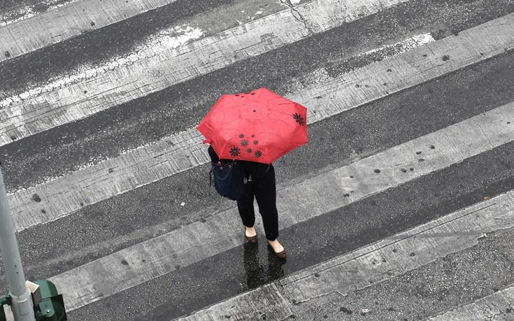 Καταιγίδες και βροχές από το μεσημέρι της Πέμπτης