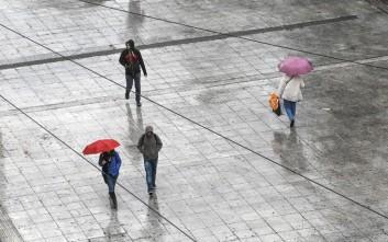 Χαλάει ο καιρός με βροχές, καταιγίδες και σκόνη από την Αφρική
