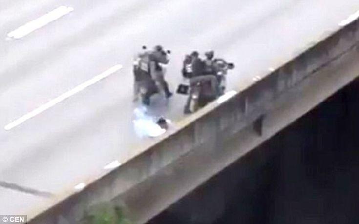 Εν ψυχρώ δολοφονία διαδηλωτή από αστυνομικούς στη Βενεζουέλα