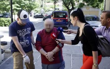 Δίωξη και για παιδική πορνογραφία στον τυφλό της Δάφνης