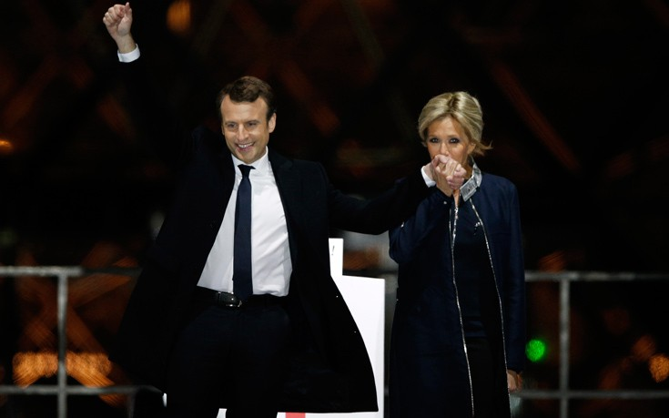 Κοντά στις 200.000 υπογραφές για τη μη θέσπιση θέσης «πρώτης Κυρίας» στη Γαλλία